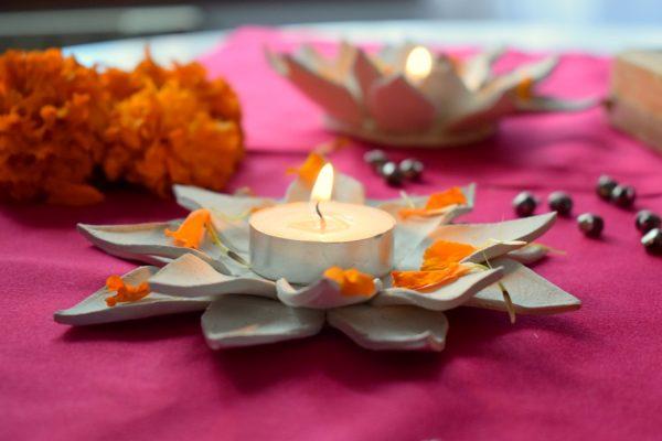 DIY Lotus candle holder